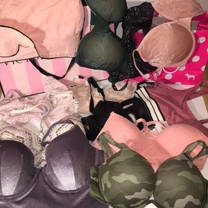 Victoria Secret Lot 13 bras New
